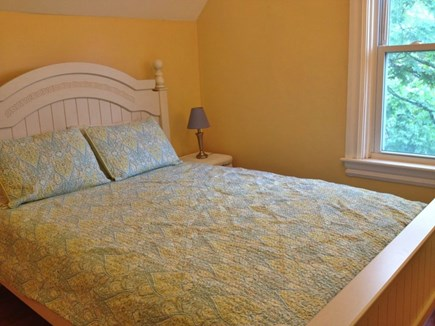 Oak Bluffs Martha's Vineyard vacation rental - Middle staircase bedroom with queen bed.