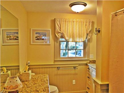 Edgartown Martha's Vineyard vacation rental - Main floor full bathroom