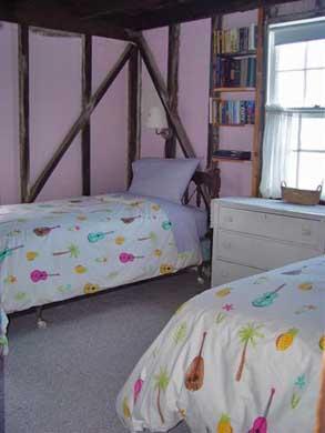 Oak Bluffs Martha's Vineyard vacation rental - Downstairs twin sized waterfront bedroom