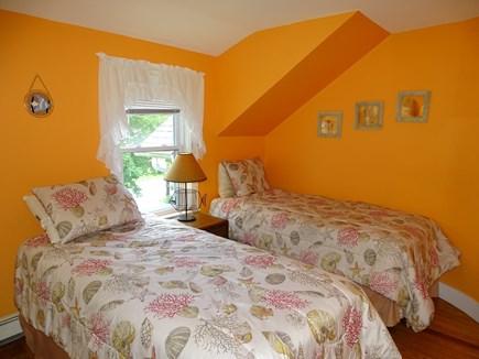 Oak Bluffs Martha's Vineyard vacation rental - Orange twin bedroom, upstairs
