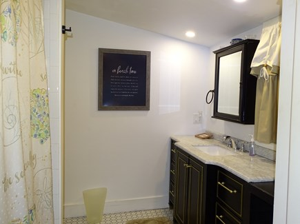 Oak Bluffs Martha's Vineyard vacation rental - Bathroom with shower and tub