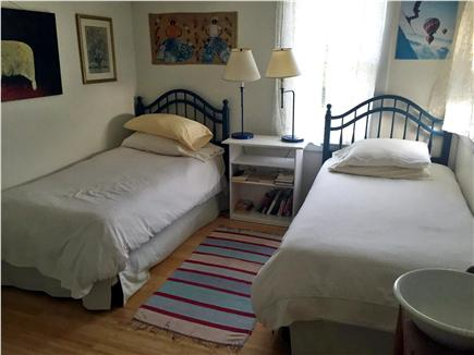 Aquinnah Martha's Vineyard vacation rental - Twin bedroom