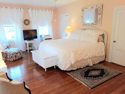 Oak Bluffs (East Chop) Martha's Vineyard vacation rental - Master: spacious & sunny with private bath & dbl closets