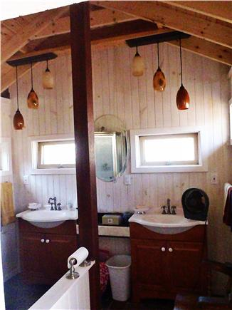 Chappaquiddick, Edgartown Martha's Vineyard vacation rental - 2nd Bathroom