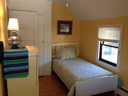 Oak Bluffs Martha's Vineyard vacation rental - Bedroom with 1 twin bed and 1 queen bed.
