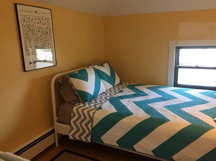 Oak Bluffs Martha's Vineyard vacation rental - Bedroom with 1 twin and 1 queen bed