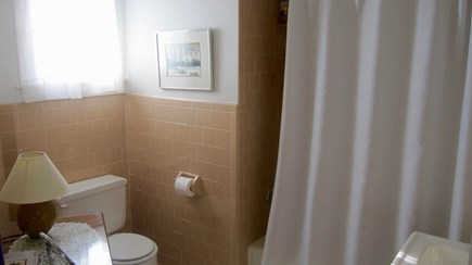 Vineyard Haven Martha's Vineyard vacation rental - Full bath with tub shower