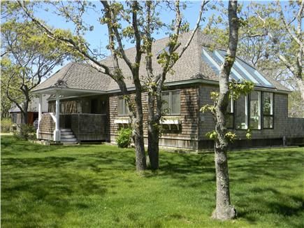 Click here to see 2 videos for this Katama - Edgartown vacation rental.