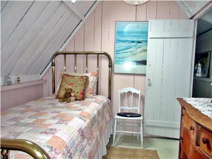 Oak Bluffs Martha's Vineyard vacation rental - Walk through twin bedroom with antique brass bed