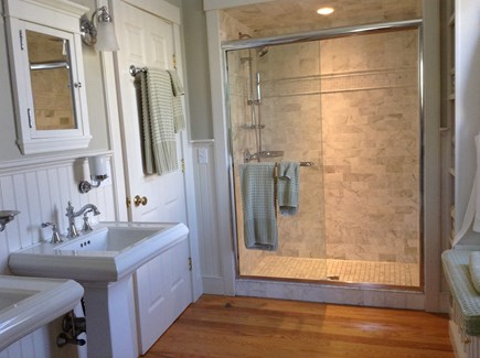 Edgartown Martha's Vineyard vacation rental - Large 1st Floor Master Bath off KING Bedroom