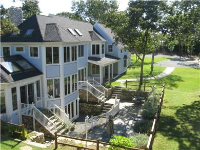 Click here to see a video of this Oak Bluffs vacation rental.