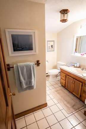 Edgartown Martha's Vineyard vacation rental - 2nd Floor Bathroom with Shower/Tub