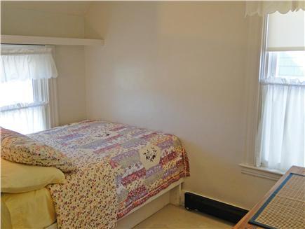 Oak Bluffs Martha's Vineyard vacation rental - Sweet cozy full bedroom