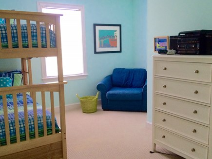 Edgartown Martha's Vineyard vacation rental - Twin bunk bedroom