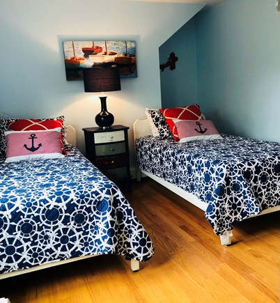 Edgartown Village Martha's Vineyard vacation rental - Twin bedroom upstairs