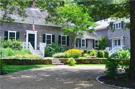 Click here to see a video of this West Tisbury vacation rental.