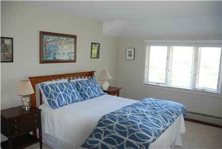 Chilmark Martha's Vineyard vacation rental - Cheery queen-bedded guest room