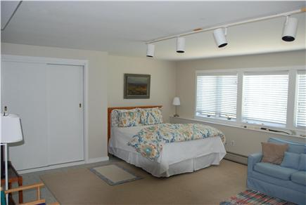 Chilmark Martha's Vineyard vacation rental - Huge queen bed and family space