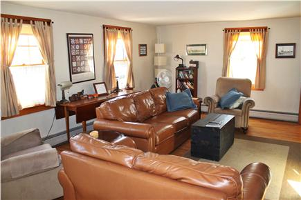 vineyard haven Martha's Vineyard vacation rental - Large living room