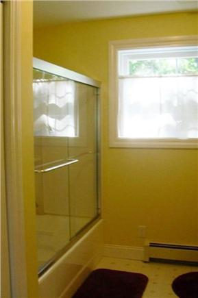 Oak Bluffs Martha's Vineyard vacation rental - First Floor Bathroom #1