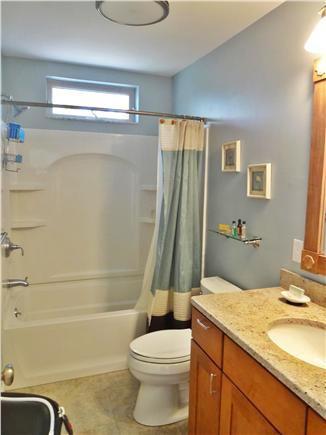 West Tisbury Martha's Vineyard vacation rental - Full Bathroom