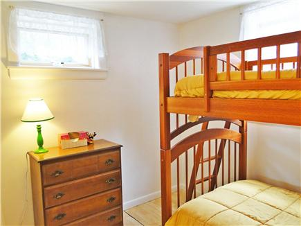 Oak Bluffs, Lagoon Pond Martha's Vineyard vacation rental - Bunk beds in downstairs bedroom