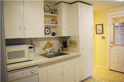 Edgartown Martha's Vineyard vacation rental - Microwave, dishwasher & pantry for your convenience