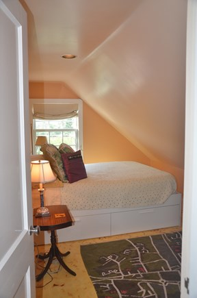Chilmark - off Meetinghouse Ro Martha's Vineyard vacation rental - Apricot upstairs bedroom #2 - queen