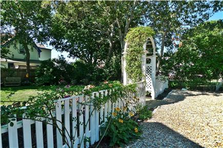 Oak Bluffs Martha's Vineyard vacation rental - Flowering Arbor