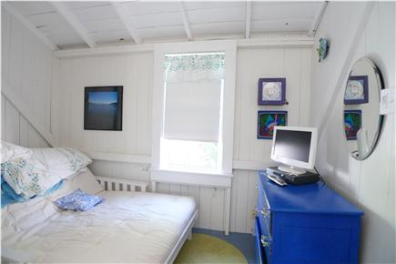 Oak Bluffs Martha's Vineyard vacation rental - Alcove area with TV  and Full Sleep Futon