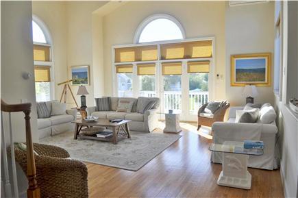 Katama - Edgartown, katama Martha's Vineyard vacation rental - Bright and Breezy Great Room on Main Level. Open floor plan