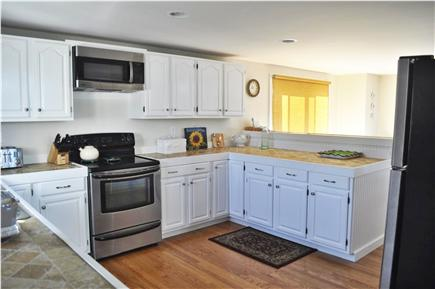 Katama - Edgartown, katama Martha's Vineyard vacation rental - Well equipped kitchen with tumbled stone counters & breakfast bar