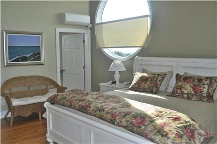 Katama - Edgartown, katama Martha's Vineyard vacation rental - Master suite - King bed - Completely private on third level