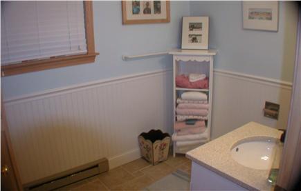 Katama - Edgartown, Katama/Edgartown Martha's Vineyard vacation rental - 1/2 Bathroom on 2nd Level