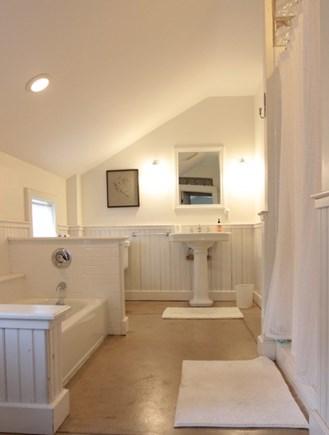 Oak Bluffs Martha's Vineyard vacation rental - 2nd floor bath