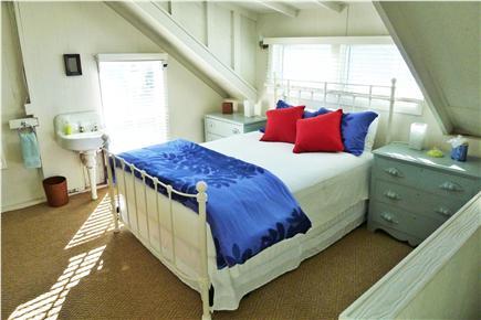 Oak Bluffs Martha's Vineyard vacation rental - 3rd Fl Charming bedroom with sink