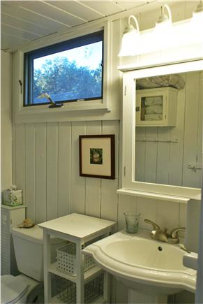 Oak Bluffs, Waterview Farm Martha's Vineyard vacation rental - Master bathroom
