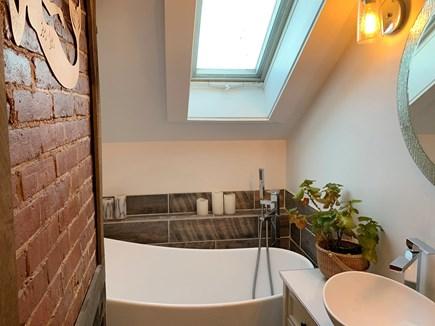 Katama - Edgartown Martha's Vineyard vacation rental - Master Bathroom