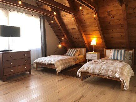 Oak Bluffs Martha's Vineyard vacation rental - Two twin beds in the cozy upstairs bunkroom