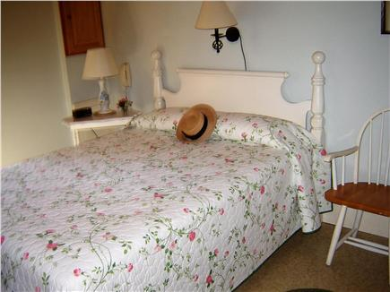 85 Tea Lane, Chilmark Martha's Vineyard vacation rental - Comfortable Master Bedroom With Queen Bed & A/C