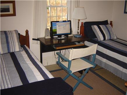 85 Tea Lane, Chilmark Martha's Vineyard vacation rental - Small Bedroom with Hi-Speed Internet & Wi-Fi Connection