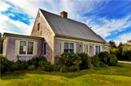 Katama - Edgartown, Edgartown Martha's Vineyard vacation rental - Picture perfect front view of home