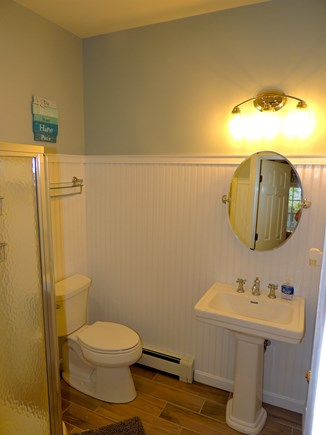 Oak Bluffs Martha's Vineyard vacation rental - First floor full bathroom with private access to/from den