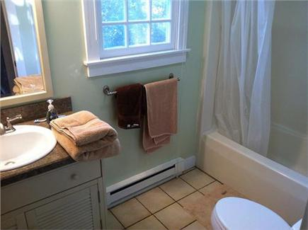Oak Bluffs Martha's Vineyard vacation rental - 2nd Floor full bathroom with tub