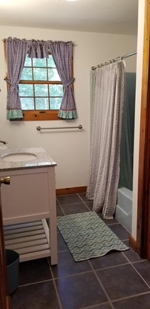 West Tisbury Martha's Vineyard vacation rental - Upstairs Bathroom