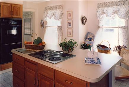 Aquinnah Martha's Vineyard vacation rental - Sunny Kitchen