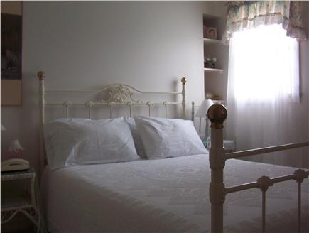 Aquinnah Martha's Vineyard vacation rental - Cozy Bedroom with queen bed and private bath