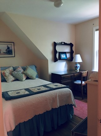 Vineyard Haven, West Chop Martha's Vineyard vacation rental - Upstairs bedroom with full size bed