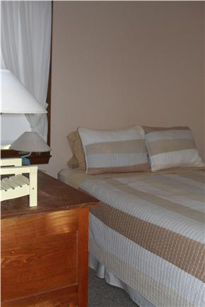 Oak Bluffs Lagoon Pond area Martha's Vineyard vacation rental - Queen Bed