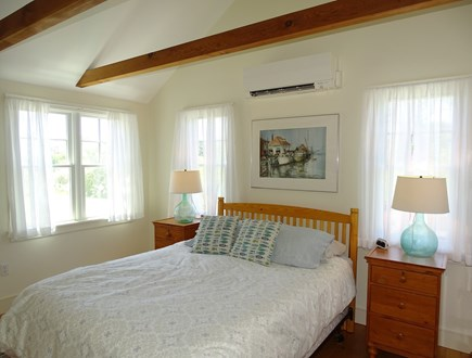 Chilmark Martha's Vineyard vacation rental - Queen master bedroom